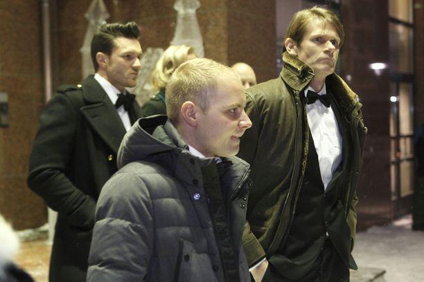 Mika Häkkisen kollegat Valtteri Bottas ja Marcus Grönholm lukeutuivat juhlavieraisiin. Kokonaisuudessaan paikalla oli noin 120 kutsuvierasta.