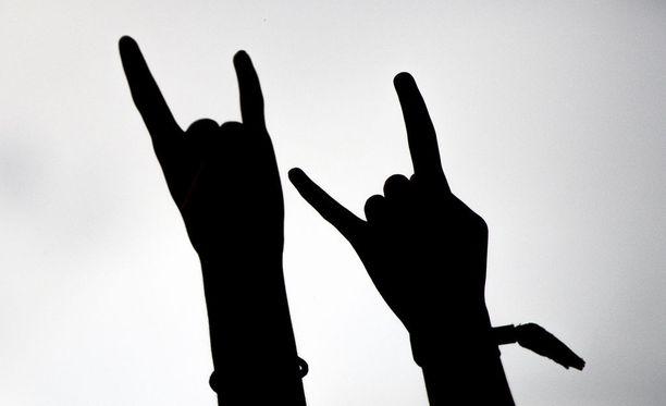 Kuopion tapahtuman esiintyjät ovat pääasiassa kansallissosialistinen black metal -genren bändejä. Kuvituskuva.