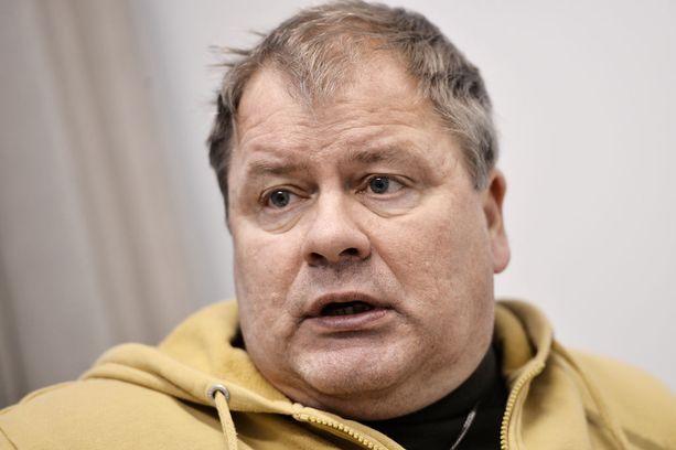 Heikki Hursti on vedonnut päättäjiin köyhyyden lopettamiseksi.