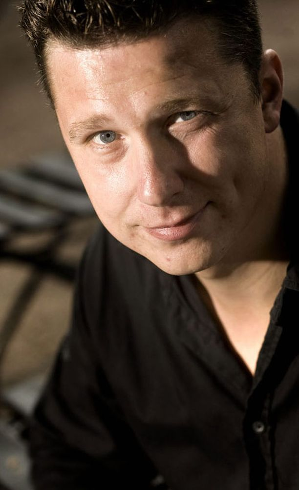 Janne Tulkki viettää paljon aikaa lastensa kanssa. Poika asuu hänen luonaan vakituisesti ja tytärkin pitkiä aikoja. Iloa tuo myös 25.5. julkaistava albumi.