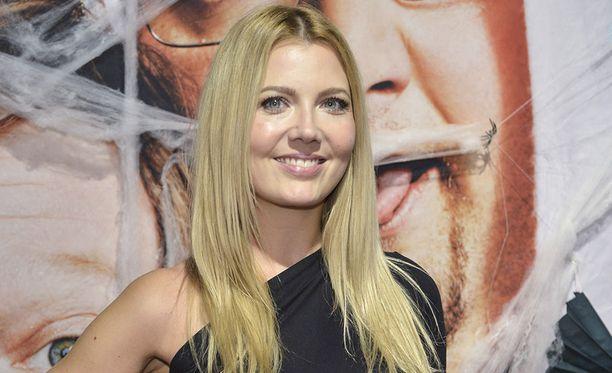 Jenni Alexandrova tunnetaan esimerkiksi ohjelmista The Voice Kids ja Kummalliset kammot.