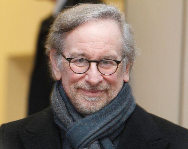 Steven Spielberg puhui Krakovassa holokaustin uhrien muistopäivän aattona maanantaina.