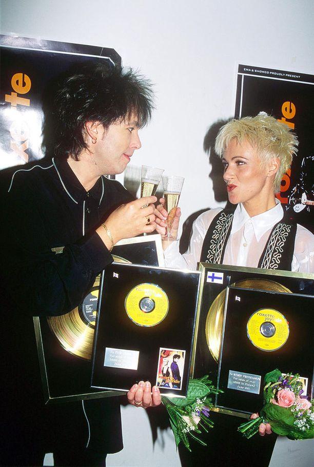 Uran huippu osui vuoteen 1991, jolloin kelpasi skooalta Helsingissä. Roxette on esiintynyt vuosien varrella useita kertoja Suomessa.