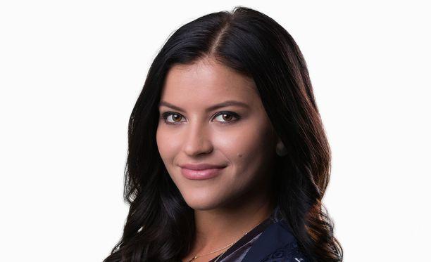 Sofia Arasola on näytellyt sarjassa viime syyskuusta lähtien.