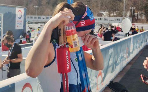 Romahtanut ennakkosuosikki mökötti toimittajille, norjalaistähti itki vuolaasti – MM-avaus meni tunteisiin