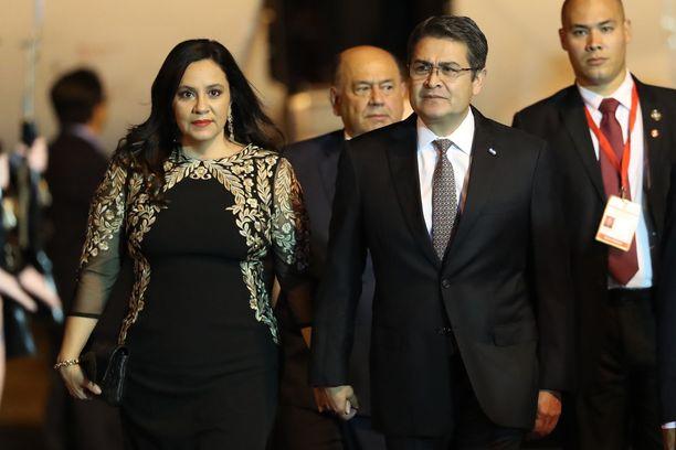 Presidentti Juan Orlando Hernandez ja hänen vaimonsa Ana Garcia Carias ovat saaneet koronavirustartunnan.
