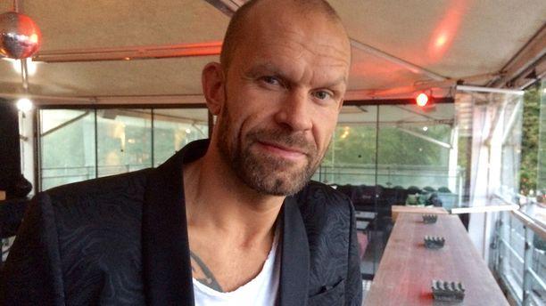 Jere Karalahden elämäkertakirja julkaistiin perjantaina ravintola Teatterissa Helsingissä.