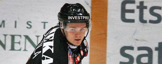 Julius Junttilan ura jatkuu Oulussa.