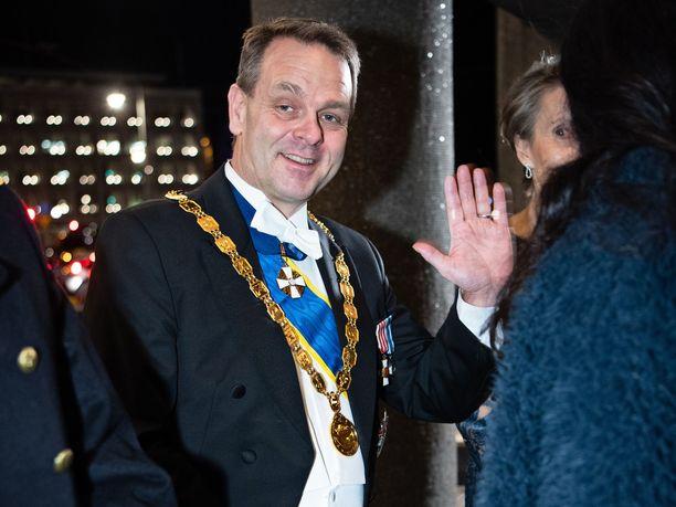 Helsingin ylipormestari Jan Vapaavuori menossa Linnan juhliin viime itsenäisyyspäivänä.
