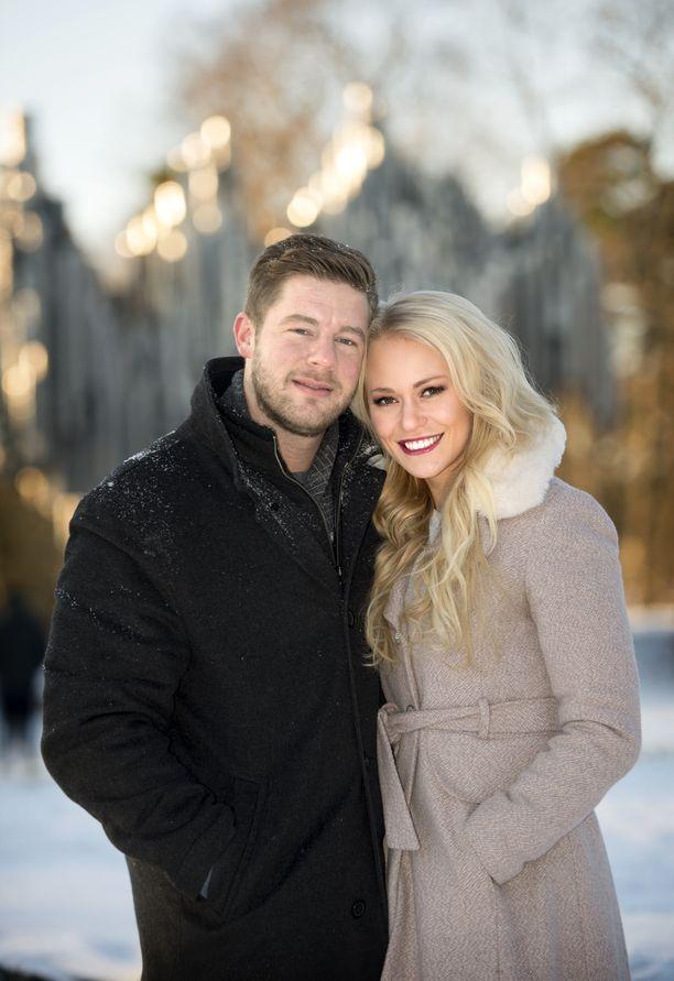 Krista Lanning ja aviomies Kevin Lanning odottavat lasta.