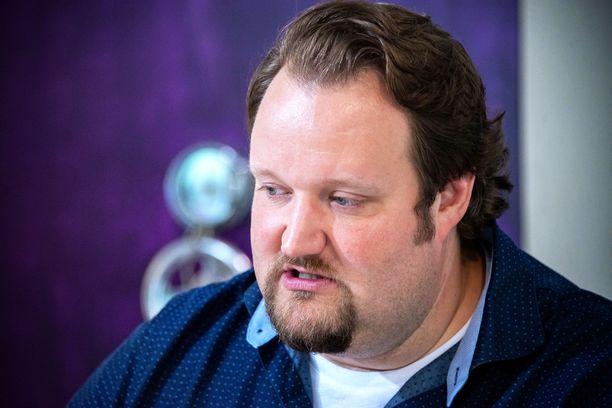 Sami Hedberg joutui siirtämään juhlakeikkoja.