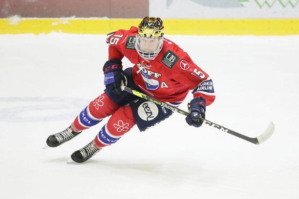 Anton Lundell oli 24 ottelun tehoineen 16+9=25 HIFK:n paras pistemies, kun hän viimeksi joukkuetta edusti. Nyt hän on joukkueen sisäisessä pörssissä neljäntenä.