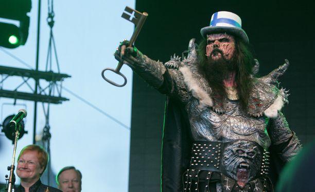 Viisuvoittaja Lordi on vahvasti meemeissä mukana.