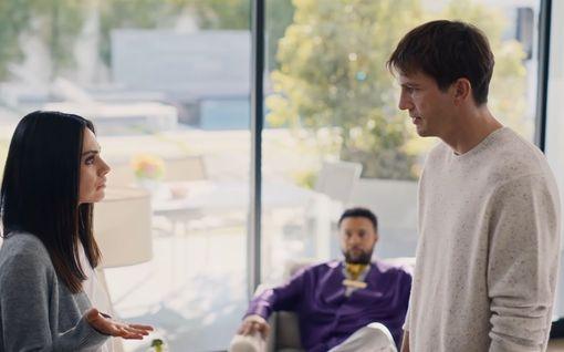 Bongasitko nämä ykkösnimet Super Bowlin mainoksista? Mila Kunis nauratti sipsivarkaana, saksikäsi Edwardin poika esiteltiin...
