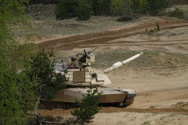 Natolla on nykyisin joukkoja Baltian maissa. Kuva harjoituksista Latviasta viime vuonna.