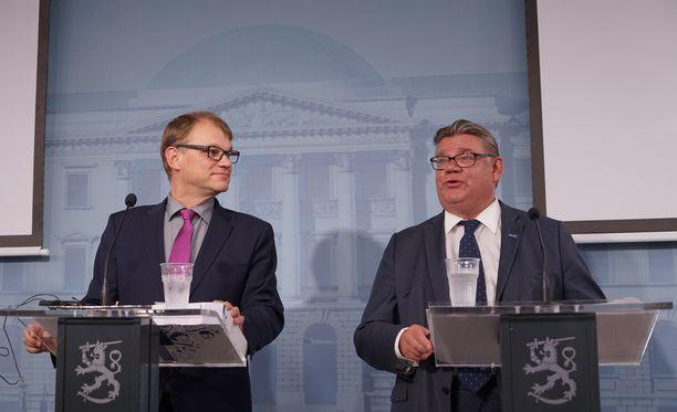 Timo Soinin lähtö perussuomalaisten puheenjohtajan paikalta voi merkitä vakavaa kriisiä nykyiselle hallitukselle.