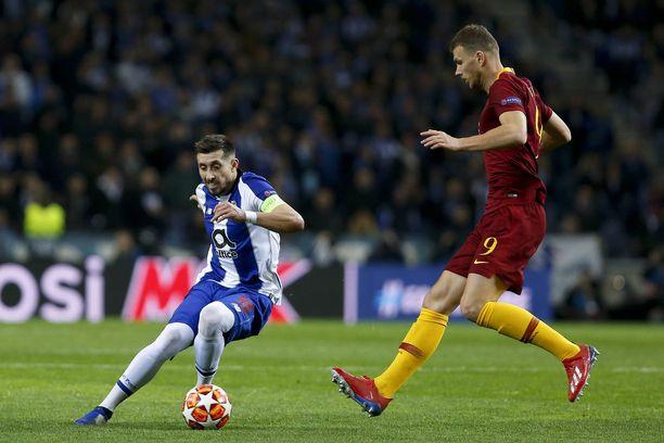 Porton Héctor Herrera ja AS Roman Eden Dzeko joutuivat pelaamaan täydet 120 minuuttia ennen kuin portugalilaisjoukkueen jatkopaikka varmistui.