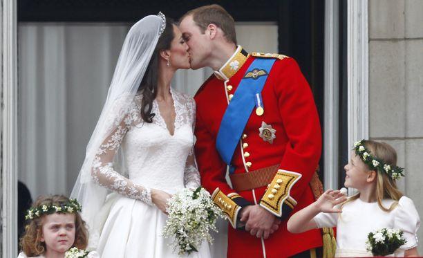 Prinssi William ja herttuatar Catherine vihittiin 29. huhtikuuta 2011. Herttuapari on nykyisin kolmen pienen lapsen vanhempia.