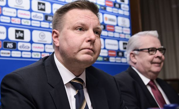 Harri Nummela seuraa Jääkiekkoliiton puheenjohtajan tehtävissä Kalervo Kummolaa.