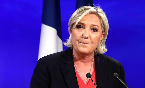 Marine Le Pen on luvannut uudistaa puoluettaan niin, että se vetoaisi aikaisempaa suurempaan kansaosaan.