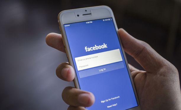 Facebook muuttaa palveluaan.