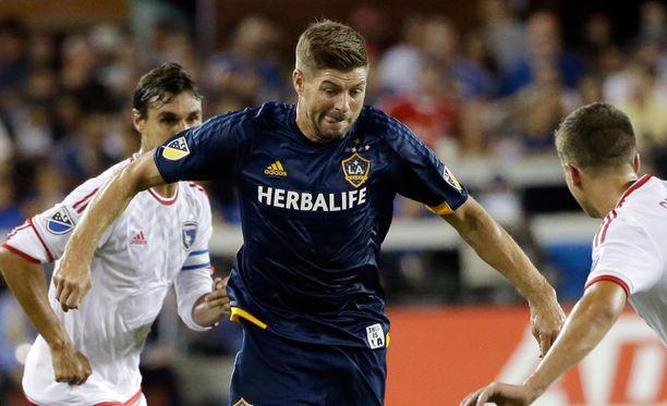 Steven Gerrard pelaa Los Angeles Galaxyn riveissä.