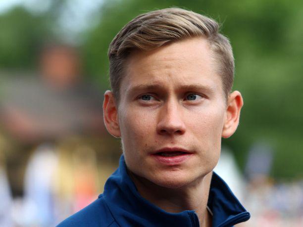 Oskari Mörö on 400 metrin aitojen SE-mies.