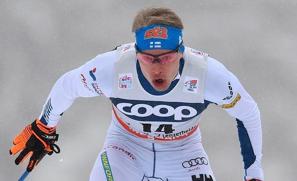 Iivo Niskanen jyräsi välieriin sprintissä.