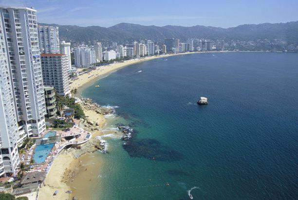 Luksushotelleja ja valkeaa rantaa. Näitä Acapulcosta yhä löytyy.