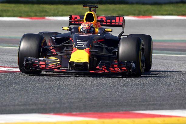 Pääsuunnittelija Adrian Neweyn Red Bull on komea luomus.