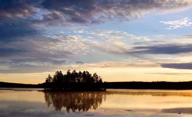 Israelilaismiljonääri Jason Buzi ehdottaa, että kaikki maailman pakolaiset voitaisiin siirtää Suomeen, jossa on paljon tilaa.