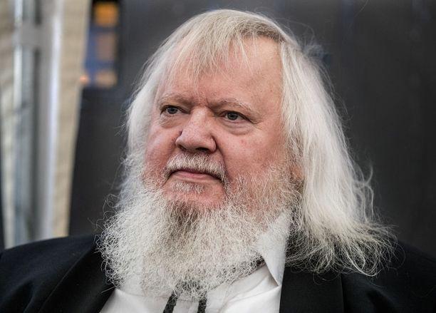 Leif Segerstam on 73-vuotias maineikas säveltäjä, kapellimestari ja multi-instrumentalisti.