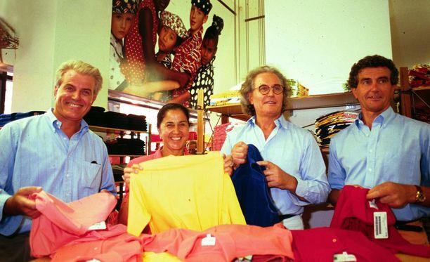 Benettonin perustajaperhe Carlo (vas.), Giuliana, Luciano ja Gilberto vuonna 2003.
