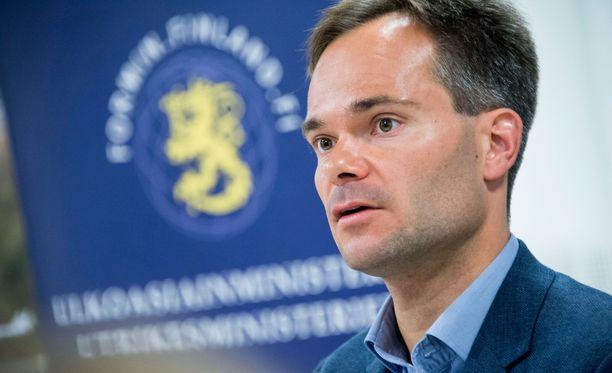 Ministeri Kai Mykkänen toivoo, etteivät Yhdysvallat ja Kiina ajaudu kauppasuhteissaan sotaan.