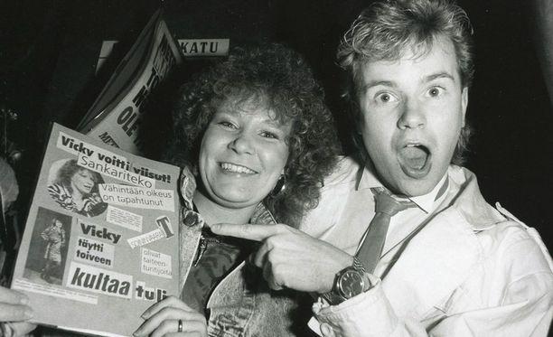 Vicky Rosti ja Petri Laaksonen euroviisuhuumassa vuonna 1987.