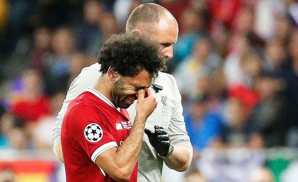 Mohamed Salah poistui itkien areenalta.