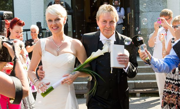 Matti Nykänen ja Pia Talonpoika vihittiin Joutsenossa 26. heinäkuuta vuonna 2014.