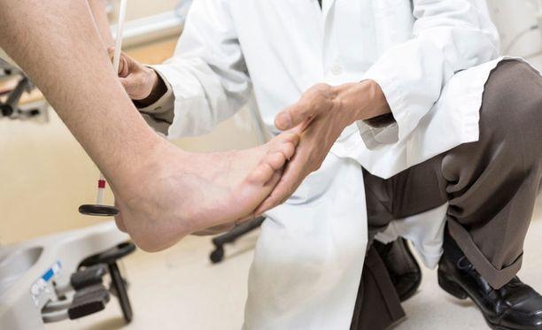 Kymenlaakson ja Kanta-Hämeen sairaanhoitopiirit pärjäsivät vertailussa huonoiten. Kummassakin paikassa jokaista 10 000 potilasta kohden korvattiin jopa 16 potilasvahinkoa. Kuvituskuva.