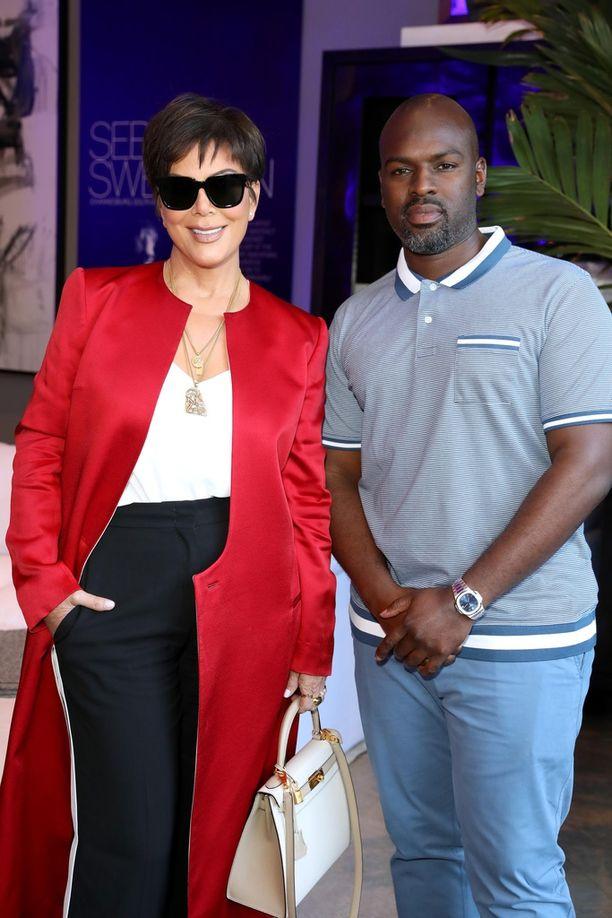 Kris Jennerin ja 25 vuotta nuoremman Corey Gamblen suhde kukoistaa.