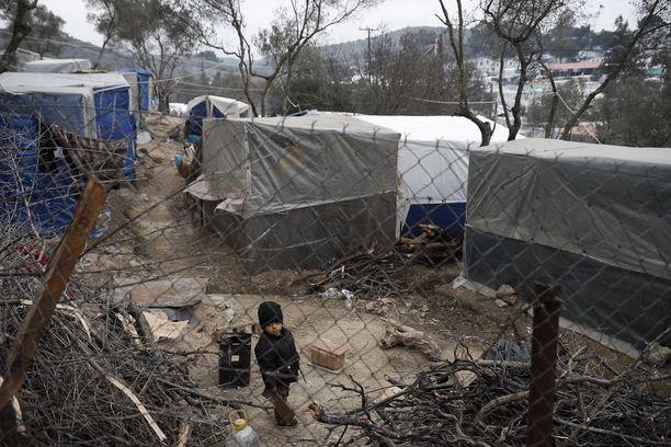 Morian pakolaisleiri Kreikan Lesboksen saarella on levinnyt jo pitkälle sen alkuperäisten raja-aitojen ulkopuolelle.
