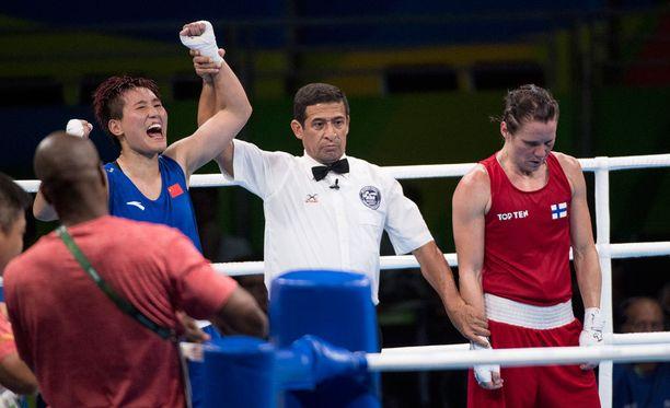 Junhua Yin pääsi tuulettamaan finaalipaikkaa. Mira Potkosen turnaus päättyi.