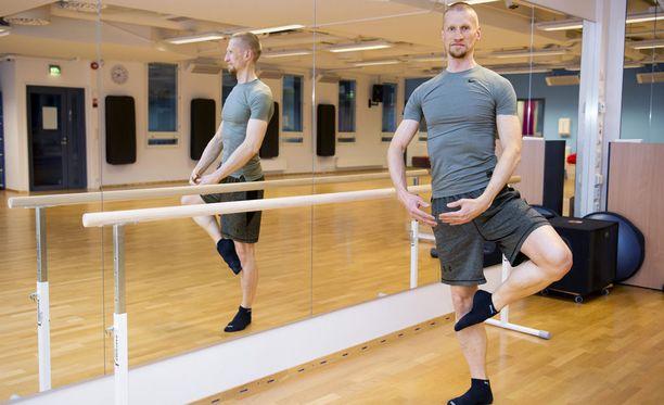Baletin virtaavuus vie mukanaan. Tarkkuus vaatii kaiken huomion.