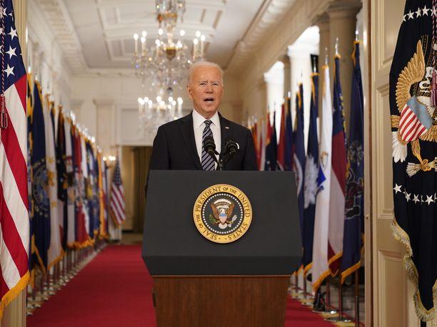 Presidentti Joe Biden kertoi ensimmäisessä tv-puheessaan avaavansa rokotukset kaikille amerikkalaisille viimeistään 1. toukokuuta.