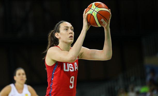 Breanna Stewart edusti maataan Rion olympialaissa ja oli voittamassa olympiakultaa.
