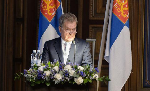 Sauli Niinistö puhui tänään maanpuolustuskurssin avajaisissa.