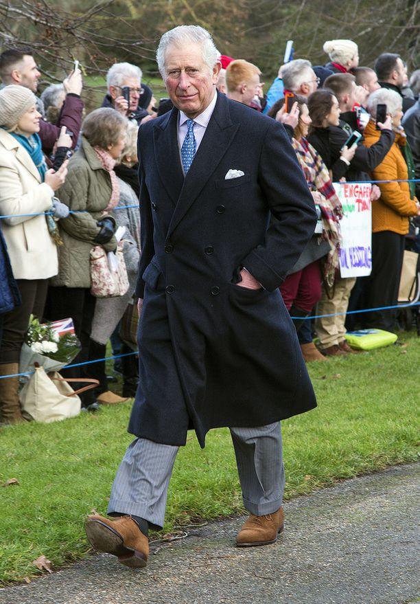 Prinssi Charles tepasteli tottuneesti Norfolkin mailla.