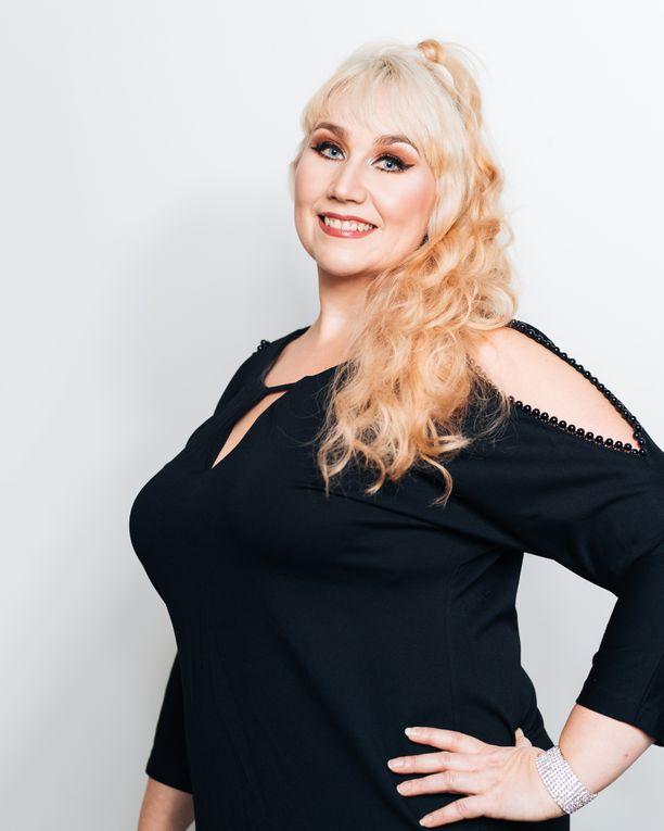 Lea Mansikkaviita.