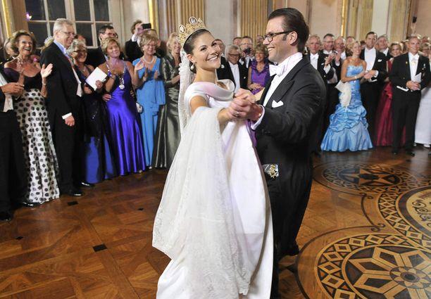Victoria ja Daniel hurmasivat tanssillaan kaikki. Tunnelma tanssilattialla oli lämmin ja välitön.