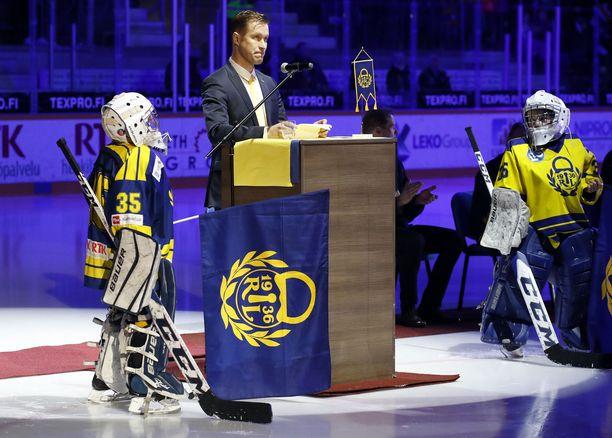 Kultaleijona Petri Vehanen sai suuren kunnianosoituksen.