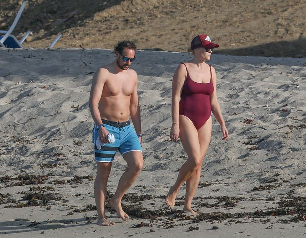 44-vuotiaat Haakon ja Mette-Marit viettivät yhteistä aikaa rannalla.